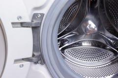 洗衣机鼓关闭,洗衣店概念 免版税库存照片
