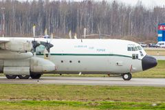 洛克西德・马丁C-130J-30赫拉克勒斯 普尔科沃机场,俄罗斯,圣彼德堡, 2018年4月30日 库存照片