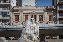 洛拉Mora国旗的纪念Monumento Nacional雕塑El镇la班德拉-罗萨里奥,圣菲,阿根廷 免版税图库摄影