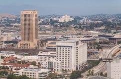 洛杉矶街道和摩天大楼  城市的商业中心 库存照片