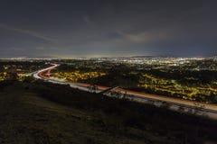 洛杉矶谷高速公路夜 库存照片