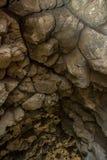 洞和岩石 免版税库存照片