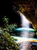 洞瀑布 库存图片