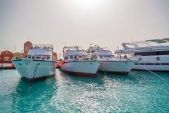 洪加达,埃及- 2015年11月:小船在小游艇船坞 库存图片