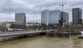 洪水在巴黎-都市风景 库存照片