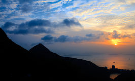 洪海岛kong峰顶suset 免版税库存照片