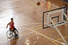 活动篮球人s轮椅 库存照片
