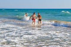 活跃海滩比赛 免版税图库摄影