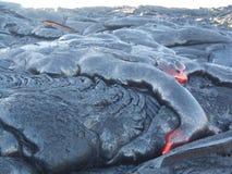 流动在大岛,夏威夷的热的熔岩 免版税库存图片