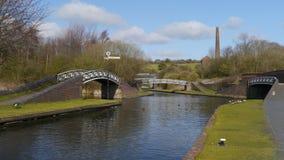 流动桥梁在风车末端, Netherton,英国 免版税库存图片