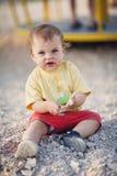 流口水的逗人喜爱的女婴 免版税库存图片