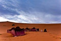 流浪的沙漠撒哈拉大沙漠帐篷 库存图片