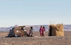 流浪者孩子在摩洛哥,非洲 免版税图库摄影
