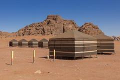 流浪者的沙漠阵营,瓦地伦沙漠在约旦,中东 免版税库存照片