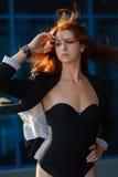 流的女孩头发红色 免版税库存图片