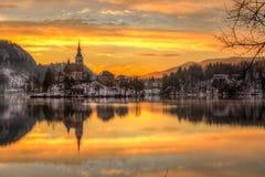 流血与湖在冬天,斯洛文尼亚,欧洲 免版税库存图片
