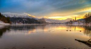 流血与湖在冬天,斯洛文尼亚,欧洲 库存照片