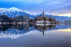 流血与湖在冬天,斯洛文尼亚,欧洲 图库摄影