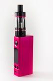 流行粉红E香烟或vaping的设备 关闭 库存图片