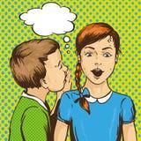流行艺术减速火箭的可笑的传染媒介例证 哄骗耳语的闲话或秘密给他的朋友 儿童谈话 演讲 库存照片