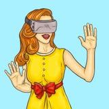 流行艺术相当少妇使用虚拟现实玻璃 库存例证