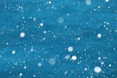 浅兰的圣诞节纸背景,拷贝空间,雪花 免版税图库摄影