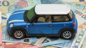浅兰的微型木桶匠汽车2013年版本 免版税库存照片