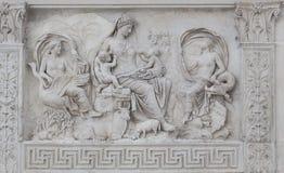 浅浮雕细节Ara Pacis Augustae -罗马 免版税库存照片