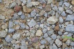 浅灰色的石渣(小卵石)地板纹理,顶视图,小卵石支持 免版税库存图片