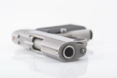 浅紧凑深度域的手枪 免版税图库摄影