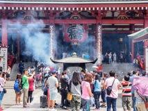 浅草寺庙的,东京,日本游人 免版税库存照片