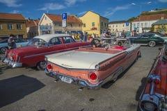 1959浅滩fairlane 500敞篷车 免版税库存照片