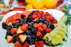 浆果新鲜水果沙拉 库存照片