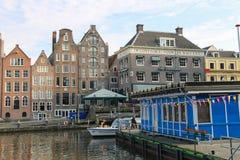 浇灌在阿姆斯特丹,荷兰的历史的部分的运河 库存图片