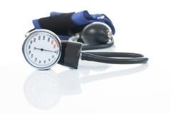 测量在白色背景- tonometer的血压医疗设备 库存图片