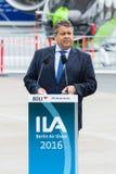 经济事务部长和能量西格玛尔・加布里尔 库存照片