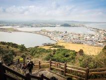 济州海岛,韩国- 2016年11月13日:游人参观了Seo 免版税库存照片