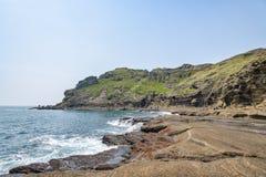 济州特别自治道,韩国- 2015年4月11日:Yongmeori海岸的看法 免版税库存照片