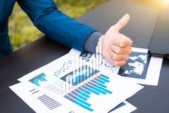 经济情况统计成功概念:商人逻辑分析方法标记 免版税库存照片