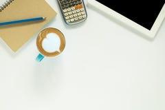 浏览生意人服务台办公室万维网白色 免版税库存照片