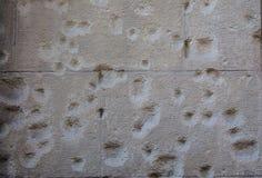浑身是子弹的墙壁 免版税库存照片