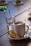 浓咖啡倾吐的水 库存照片