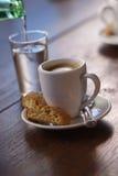 浓咖啡倾吐的水 免版税图库摄影