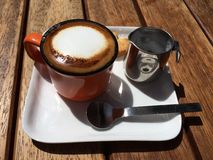浓咖啡和牛奶 库存照片
