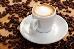 浓咖啡新鲜的macchiato 免版税库存照片
