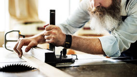 浓缩木匠技巧木匠业工艺品木的车间 免版税库存图片
