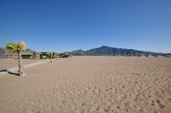 浩大的空的海滩 库存图片
