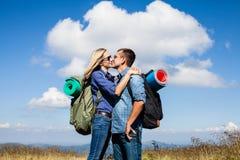 浪漫亲吻,当旅行时 免版税图库摄影