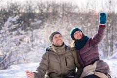 浪漫加上bengals在户外冬天 库存图片
