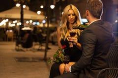 浪漫夜在城市 免版税库存照片